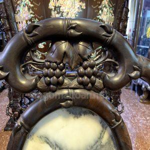 Cận cảnh ghế điêu khắc trúc nho cực đẹp