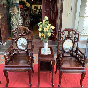 Đôi ghế ngắn và đôn kẹp tuyệt đẹp và cứng cáp