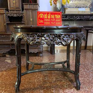 Tổng thể chiếc bàn trúc nho xuất sắc từ dáng đến những hchi tiết đục chạm
