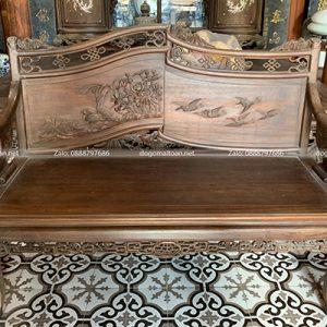 bàn ghế gỗ cổ xưa